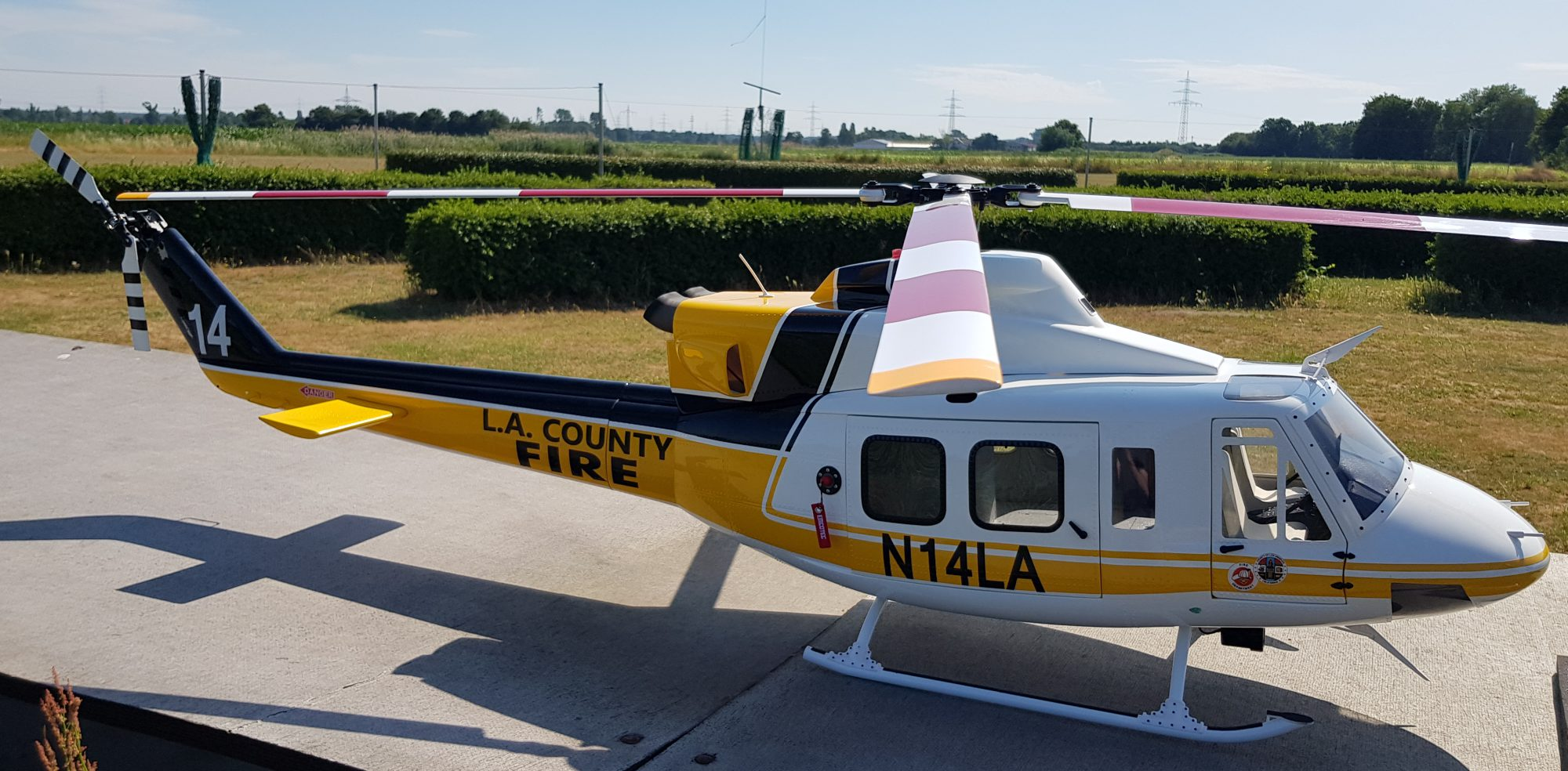 Scaleflying/Roban Bell 412 LAFD County